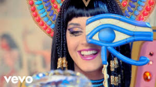 Katy Perry – Dark Horse feat. Juicy J